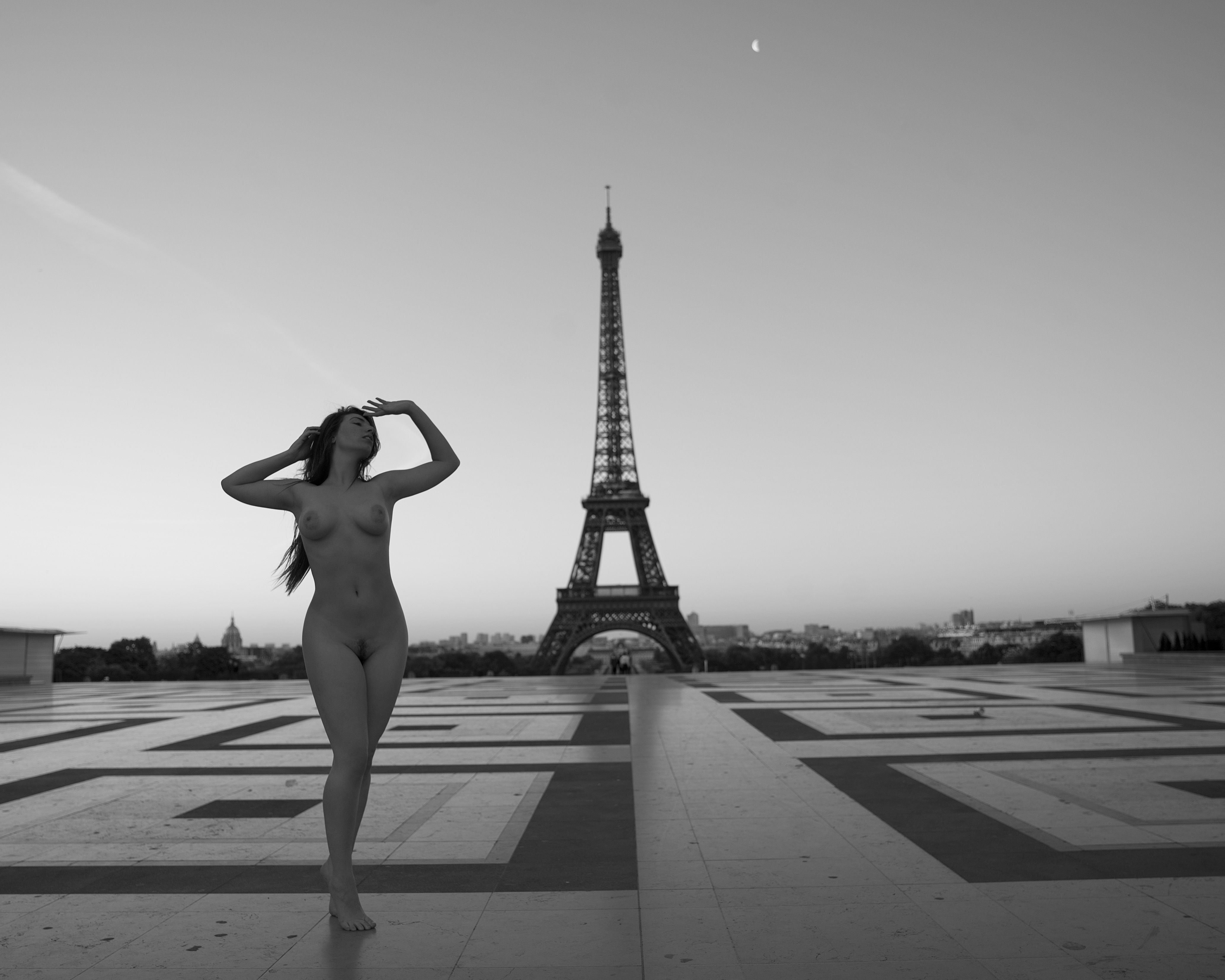 pissing-on-the-eiffel-tower-hot-sexy-anal-porn-scenes